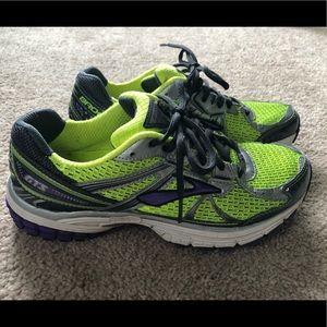 Brooks Adrenaline GTS Shoes I GUC Size 9